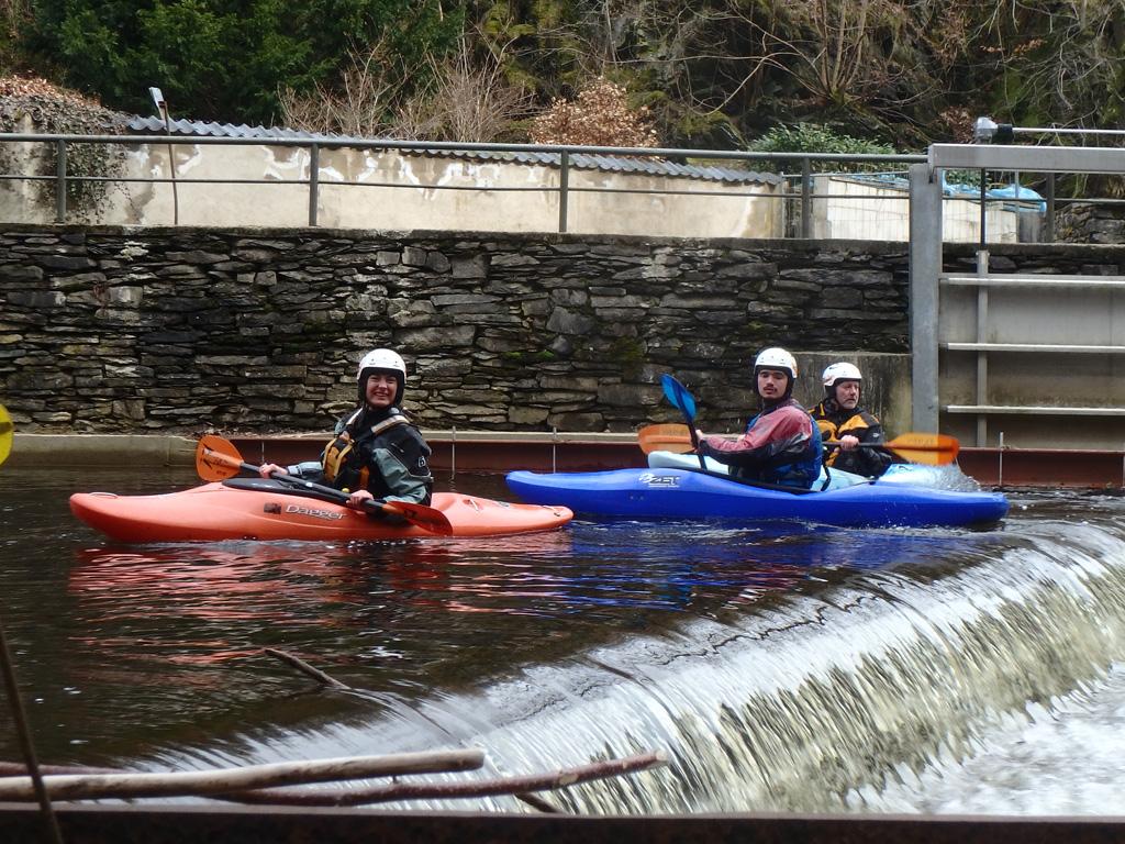 Kajakgids begeleiding voor tochten op wildwaterrivieren verzorgt door een Kayaklevel gecertificeerde riverguide geeft vertrouwen en waarborgt de kwaliteit